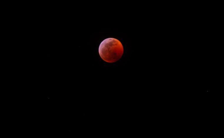 デス・ヴァレーの月食